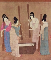 Court ladies pounding silk